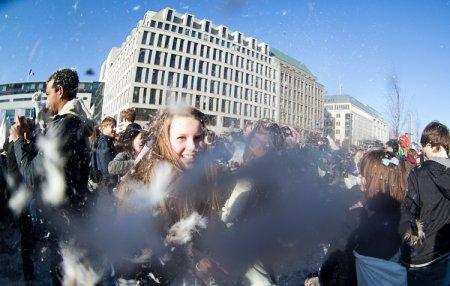 Flashmob: Бой подушками (Берлин, 20 Марта 2011)