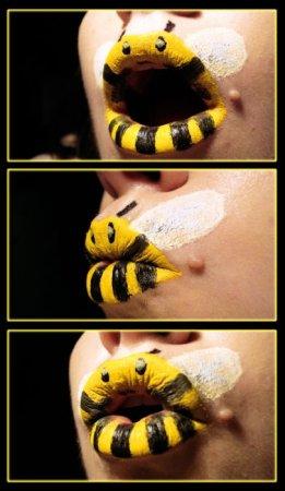 Классные рисунки на губах (21 фото)