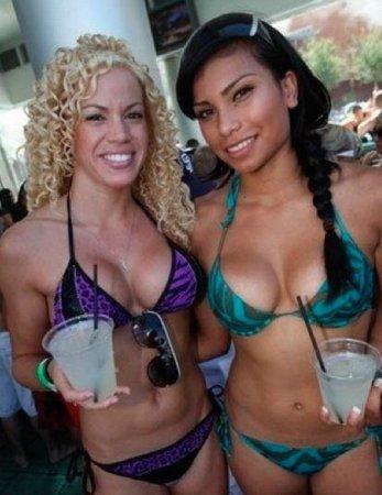 Бикини-вечеринка в Лас-Вегасе