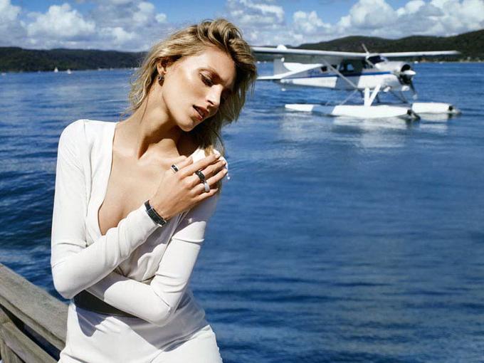 Аня Рубик в рекламе Apart Jewelry