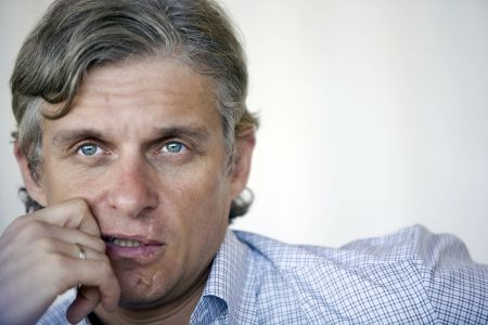 Олег Тиньков купил права на песню Цоя