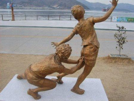 Ну и статуи