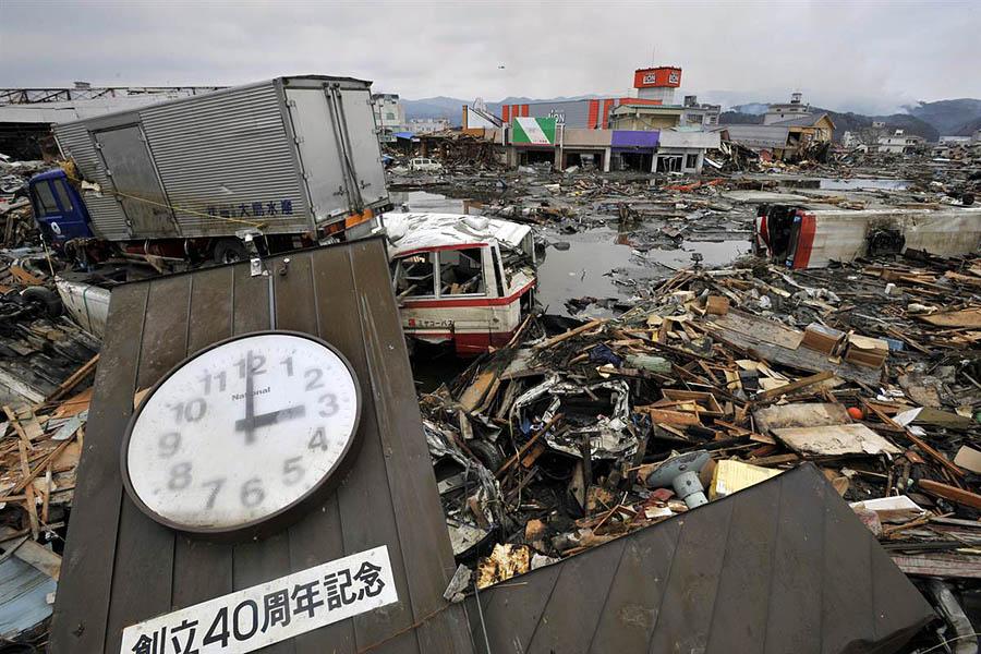 Натюрморты после цунами в Японии