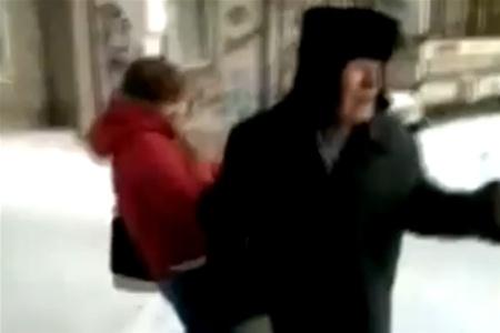 В Свердловской области отец оштрафован за издевательство дочери над ветераном