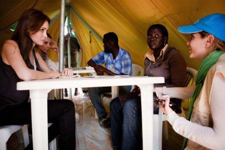 Анджелина Джоли на границе Туниса и Ливии