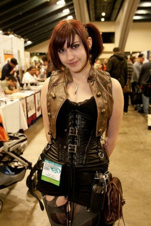 Девушки с выставки WonderCon 2011