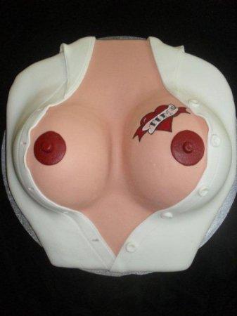 Классные тортики в виде женской груди