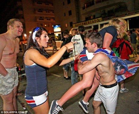 Британские студенты на отдыхе в Испании