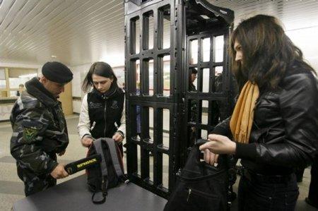 В милиции рассказали, зачем снимают металлоискатели в минском метро