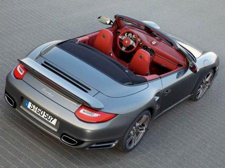Компания Porsche отмечает юбилей