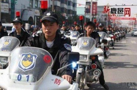Китайские менты на параде