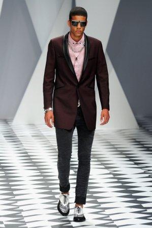 Модные джинсы сезона весна-лето 2011