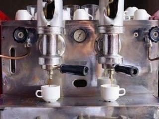 Сколько чашек кофе рекомендую пить медики?