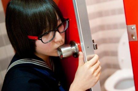 А тем временем японцы придумали новый фетиш