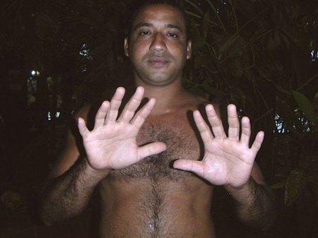 Как свои шесть пальцев!