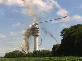 Нидерланды остались без телевидения из-за пожара и обрушения телебашни (ВИДЕО)