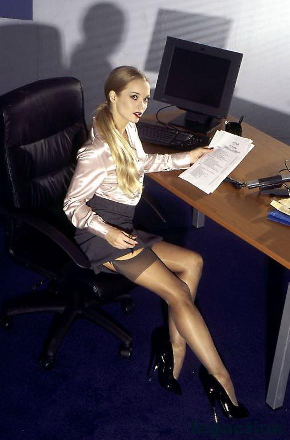 Сексуальные секретари