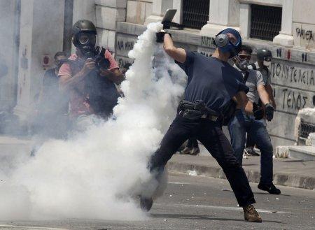 А тем временем в Греции