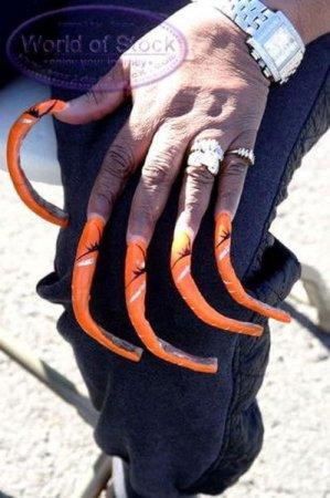 Ну и как такими ногтями пельмени лепить?