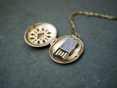 Медальоны-флэшки – на долгую память