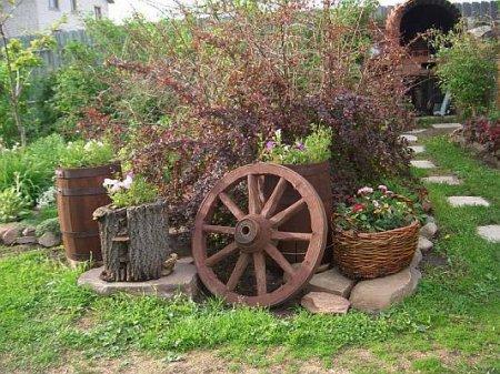 Совместный ландшафтный дизайн - цветник, сад и огород в одном месте