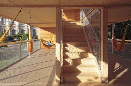 Дом с гамаками