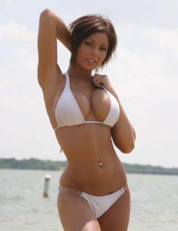 Пляжные девушки