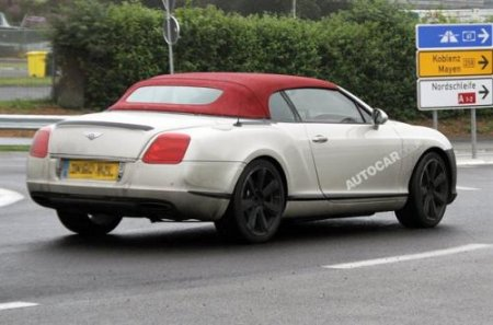 Bentley тестирует обновленный Continental GTC с новым V8