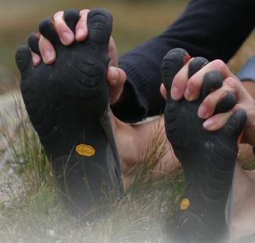 Мокасины с пальцами Vibram FiveFingers.
