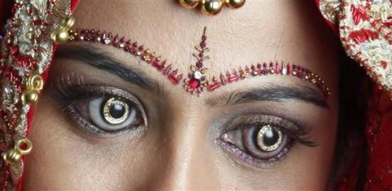 Демонические глаза индийских невест