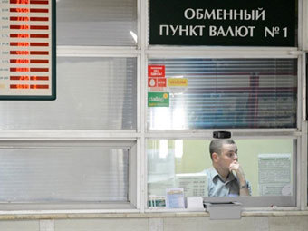 Беларусь с середины сентября отпускает курс рубля