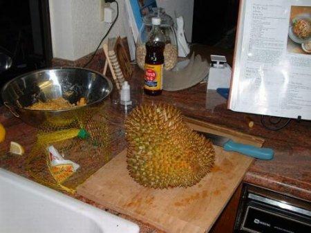 Экзотический фрукт с неприятным бонусом. ФОТО