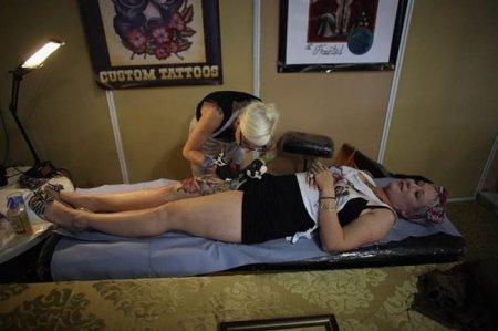 Слет любителей татуировок в Лондоне
