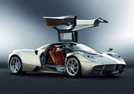Pagani Huayra появится на дорогах в 2013 году