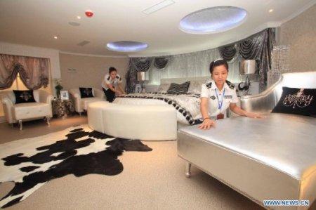 Китайский авианосец-отель