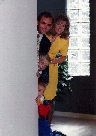 Странные  семейные фото