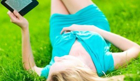 Исследование: мужчины предпочитают планшеты, а женщинам нравятся ридеры