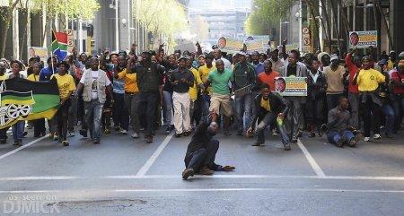Как в ЮАР местные сьвядомые бунтуют