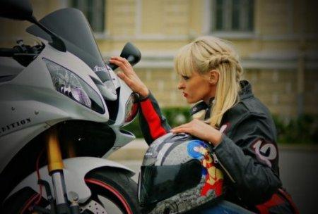 Мотоциклисточка из России