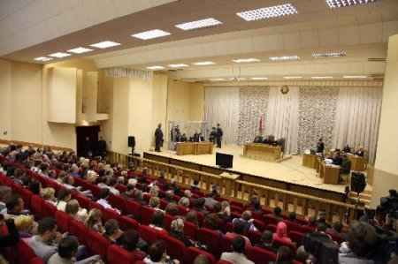 Показательный суд по взрывам в метро. Фото, видео