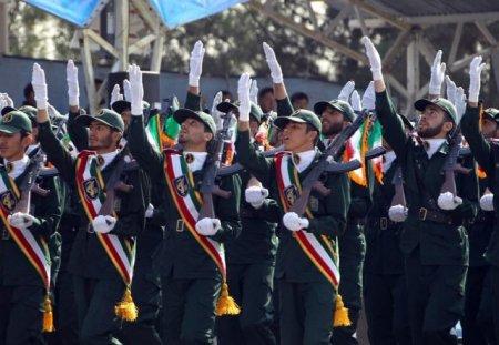 Парад в Иране