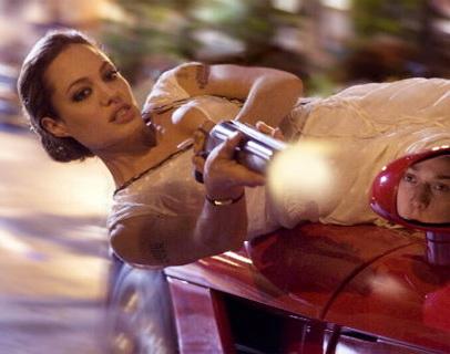 Особо опасен 2 в работе, но без Анджелины Джоли