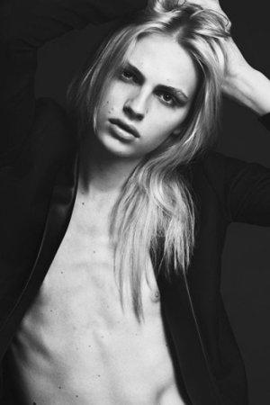 Андрей Пежич в S Moda: мужчина или женщина?