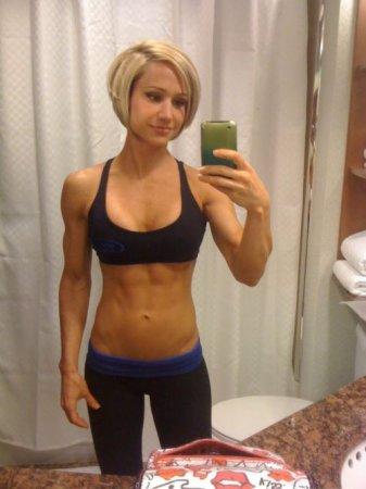 Как вам фитнесс-девушка Jamie Eason?
