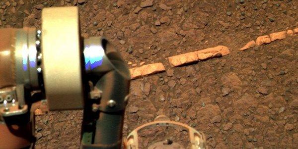 Марсоход нашел на Марсе «кирпичи»
