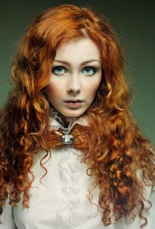 Девушки с рыжими волосами