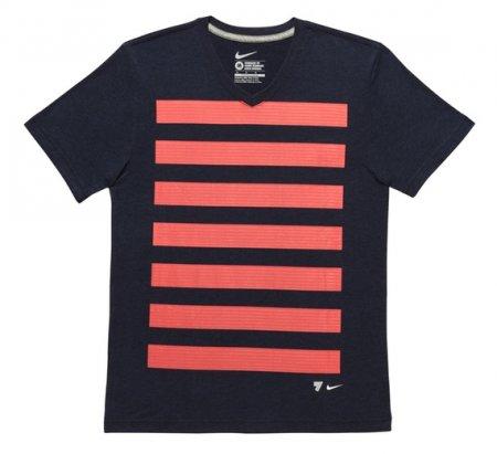 Nike представляет именные бутсы и линию одежды Криштиану Роналду