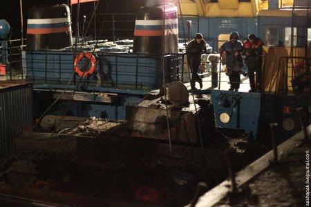 Операция по подъему танка КВ-1 со дна реки Невы