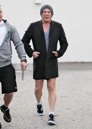 Микки Рурк штаны забыл