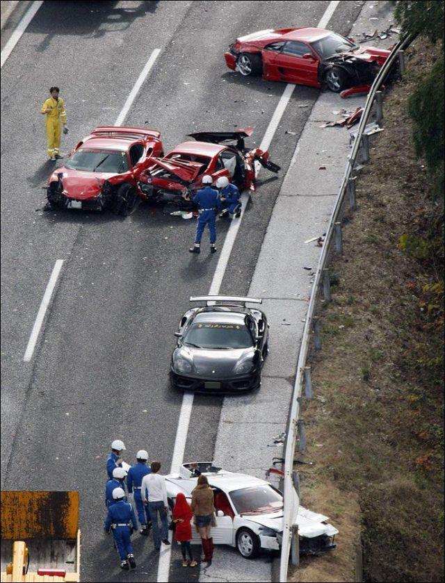 Авария суперкаров в японии